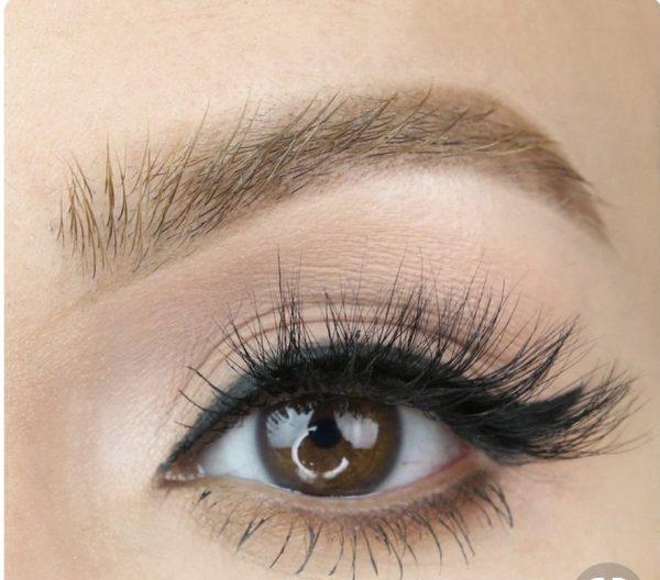 Eyelash Extensions - Curvify Jeans
